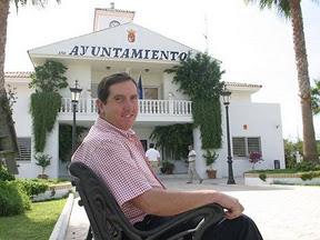 Domingo Salado, alcalde de Espartinas
