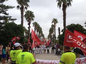 Protesta de hoy viernes, 25 de septiembre de 2015, frente al consistorio.  Imagen: Espartinas a Debate.