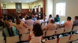 Reunión preferia entre concejales y vecinos de Espartinas. Imágen: Ayto. de Espartinas.
